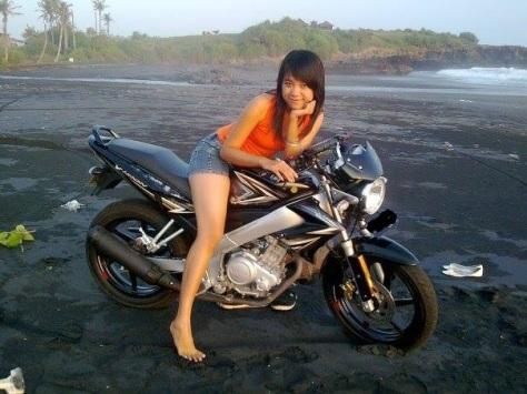 vixion girl black 1